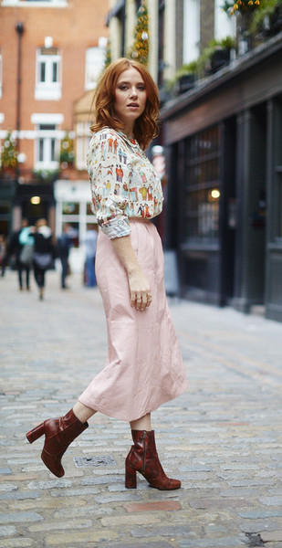 The-love-wins-shirt-angela-pink-skirt_grande
